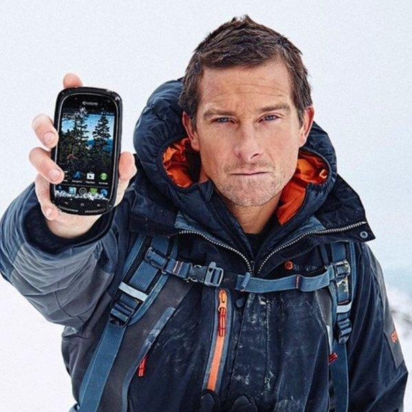 Смартфон, iPhone, Apple, Samsung, Sony, дикая природа, внезапный шторм, дремучий лес, медведи, Что делать, если разрядился телефон, а поблизости нет розетки?