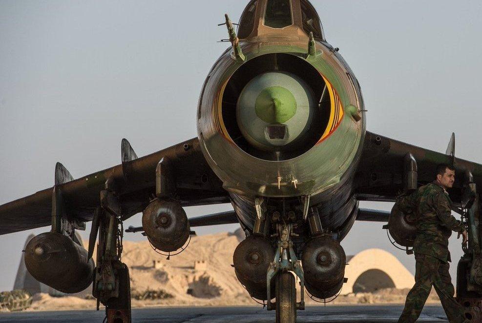 Су-22 vs F-18: как старый советский самолёт увернулся от современной американской ракеты?