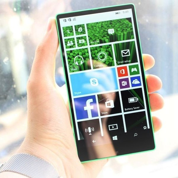 Microsoft, Lumia, Windows, Nokia, Безрамочный смартфон Lumia Vela: «Майкрософт» могла опередить Samsung и Apple